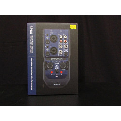 Zoom U44 Audio Interface